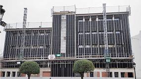 Foto de Fachada ventilada de Ursa en la transformación de un colegio a biblioteca municipal