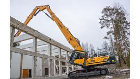 Foto de La excavadora Hyundai HX520L facilita la demolición de una facultad finlandesa