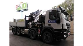 Foto de Transgrúas monta una grúa Fassi F1150RA.2.28 xhe-dynamic para Transportes Rubí