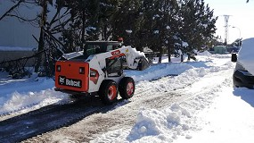 Foto de Bobcat colabora retirando nieve en Madrid
