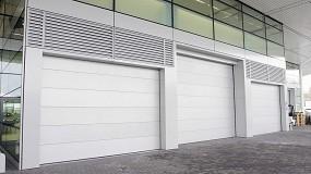 Foto de Compact, puerta con diseño de vanguardia