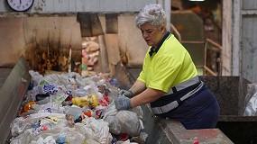 Foto de Las mujeres en riesgo de exclusión se abren paso en el sector de los residuos: ya suponen el 38% de las contrataciones en 'Reciclar para Cambiar Vidas'