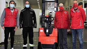 Foto de Toyota Material Handling España colabora con Cruz Roja con la donación de un Apilador Staxio