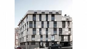 Foto de Technal y su sistema Soleal 65 de hoja oculta en un proyecto de vivienda colectiva en Vigo
