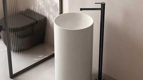 Foto de Nuevo diseño minimalista de monomando de pie para lavabo Oslo de Genebre