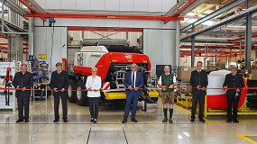 Foto de Pöttinger pone en marcha la nueva fábrica de rotoempacadoras y rastrillos grandes