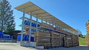 Foto de Ohra suministra una estantería cantiléver con tejado para Nyfeler Holzwaren AG