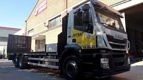 Foto de Transgrúas entrega una carrocería porta maquinaria de longitud de 9,6 m y cabrestante de arrastre