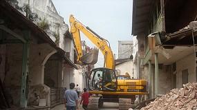 Fotografia de JCB dóna màquines per valor de 250.000  per ajudar a Indonèsia després del terratrèmol sofert