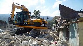 Fotografia de JCB envia una flota de màquines a Haití després del terratrèmol