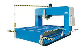 Picture of Hidrogarne Carries to the BIEMH his hydraulics presses series T