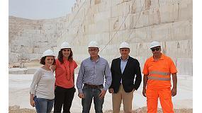 Fotografia de Dues noves pales de rodes Caterpillar arriben a la major pedrera de marbre del m�n