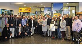 Foto de JCB re�ne a sus distribuidores para presentar sus retos y proyectos del 2013