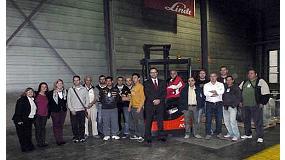 Foto de Linde y el ayuntamiento de Sant Vicen� dels Horts (Barcelona) organizan un curso de conductores de carretillas