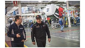Foto de Pep Vila visita la planta de Iveco en Madrid