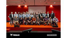 Foto de Bobcat celebra en su Convención 2014 la fabricación de la cargadora compacta 'un millón'