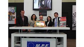 Foto de MPE recibe una placa conmemorativa por sus 20 años como distribuidor de Trevisan