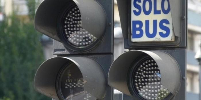 El 80% del tiempo que un autob�s est� parado es por culpa de los sem�foros