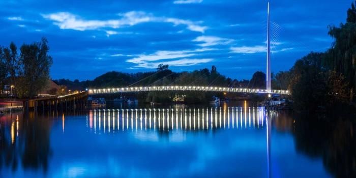 Soluci�n LED para la barandilla del nuevo puente peatonal sobre el r�o T�mesis