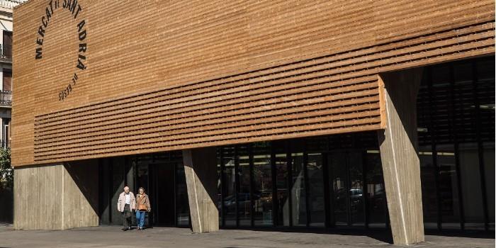 Lunawood de Gabarr�, material protagonista en el nuevo Mercat Municipal de Sant Adri� de Bes�s (Barcelona)