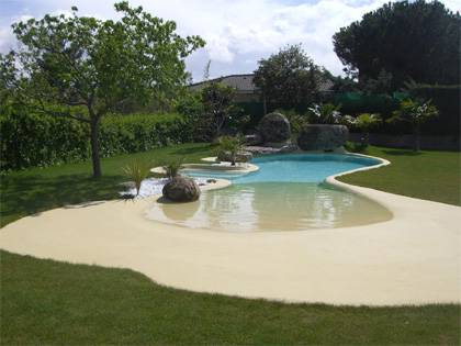 Construction and renovation of swimming pools features for Piscinas de arena