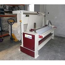 Máquina enrolladora de tejidos con centrador
