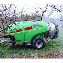 Towed sprayers