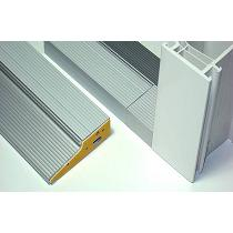 Sistema de solera para puertas de PVC
