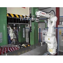 Robot para carga y descarga de máquinas