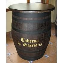 Barrica mesa con tapa y barnizada