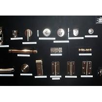 Bisagras y accesorios