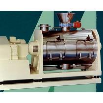 Mezclador horizontal de turbulencia y centrifugado
