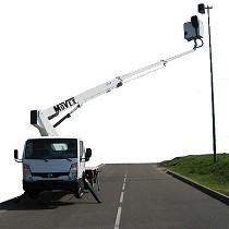 Plataforma elevadora sobre camión