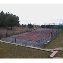 Cercados de pistas de tenis e instalaciones deportivas