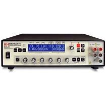 Fuentes / calibradores de tensión y corriente continúa