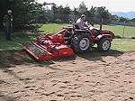 Enterradora de piedras o preparadora de terrenos dairon durante meeting distribuidores ILAGA vid2