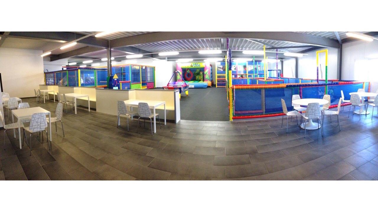Icolandia instala un nuevo parque infantil de interior en suiza equipamiento urbano - Parques infantiles interior precios ...