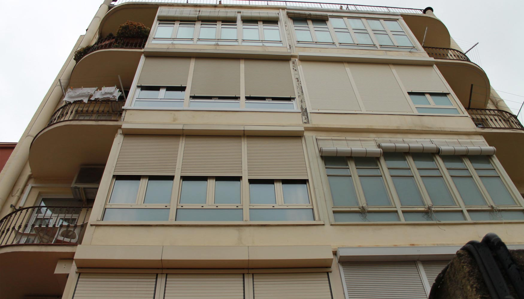 Propietarios de 300 viviendas de illa eficient escoger n - Colegio administradores barcelona ...