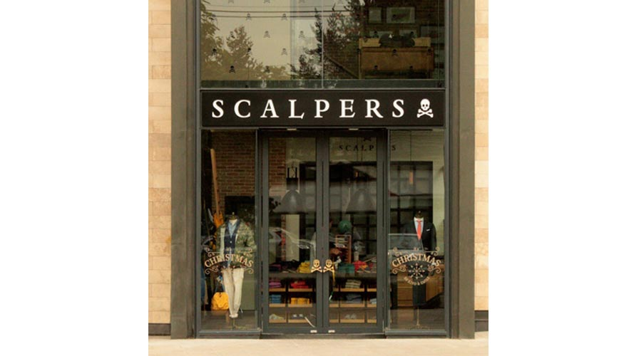 Scalpers recala en el barrio parisino de le marais con su - Scalpers jorge juan ...