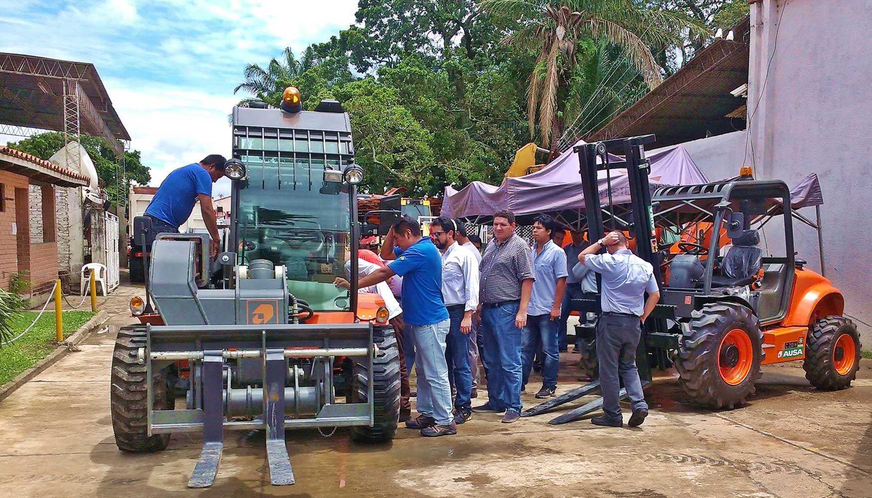 Ausa imparte una jornada de formaci n en bolivia jardiner a for Formacion jardineria