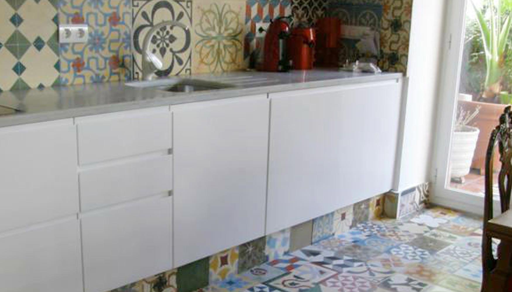 Patchwork de baldosas hidr ulicas decoraci n e interiorismo - Baldosa hidraulica barcelona ...