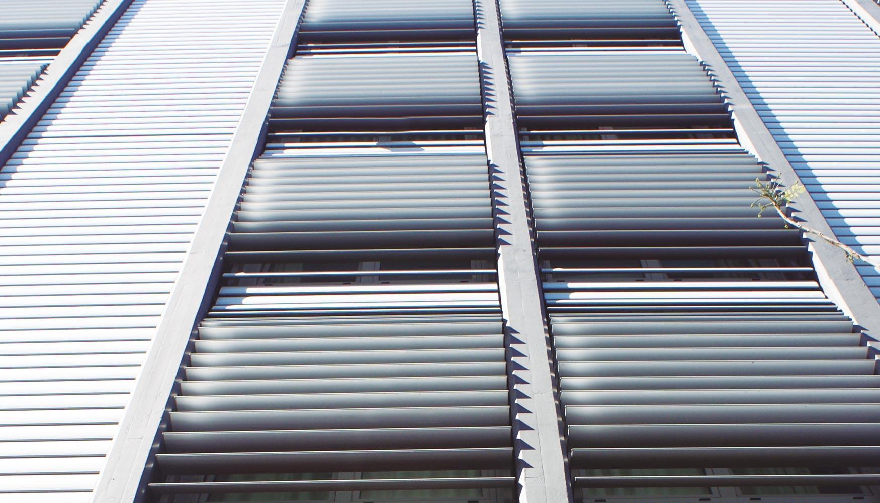 Sistemas de mallorquina de exlabesa cerramientos y ventanas for Ventanales mallorquinas
