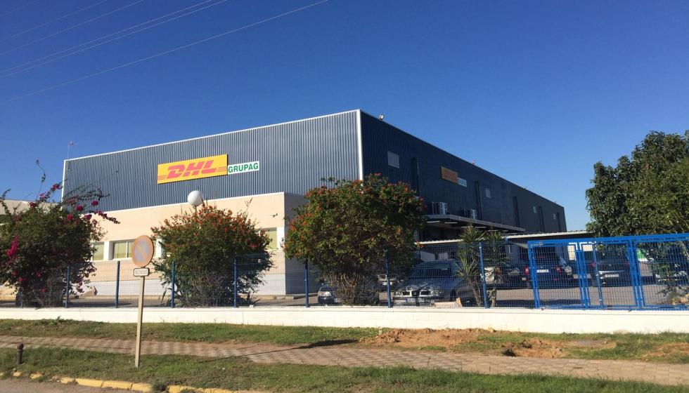 dhl abre un nuevo centro log stico en sevilla para el
