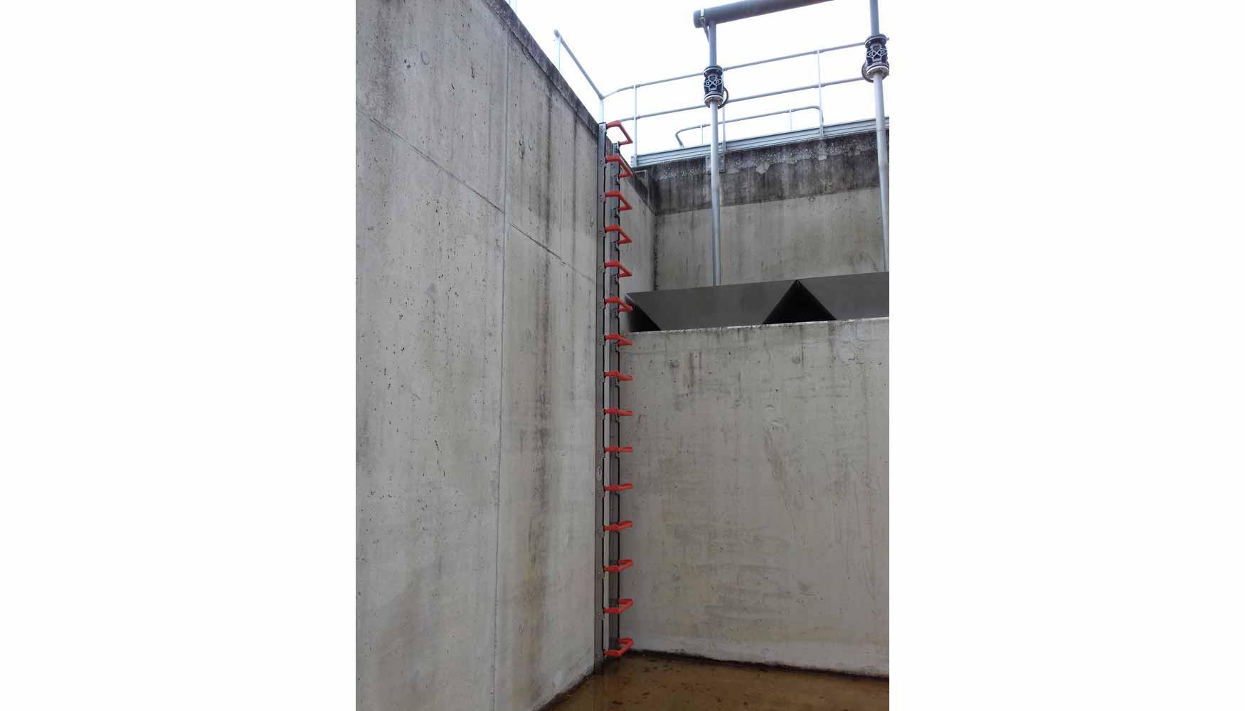 Inoxpat la nueva escalera de iverna 2000 regulable a for Escaleras 45 grados