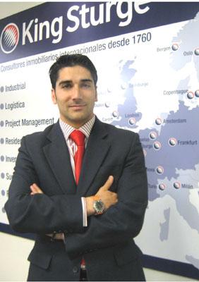 Scar l pez nombrado director de oficinas de king sturge for Oficina king barcelona