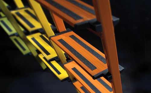 adems de su llamativa imagen estas escaleras aportan gran seguridad y comodidad en el trabajo