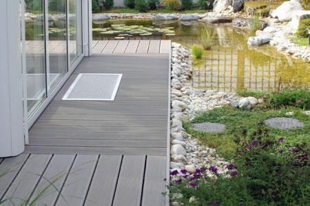 Mitad madera mitad pl stico pl stico for Pisos de exteriores para terrazas