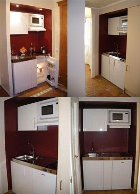 en total ha instalado minicocinas en las suite con fregadero frigorfico liebherr armario colgante y