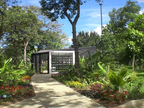 El jard n bot nico de medell n un coraz n verde en medio for Casa jardin botanico