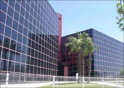 Yamaha se traslada al edificio mas blau i asesorada por for Oficinas de vueling en barcelona